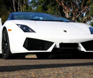 Lamborghini-wedding-cars-
