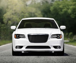 2014-Chrysler-300C-SRT8-wedding-cars--