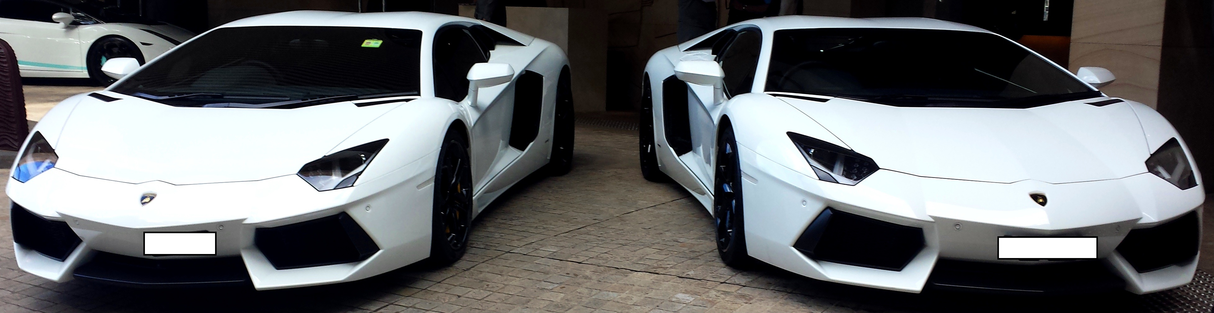 Lamborghini Hire in Sydney | Deblanco